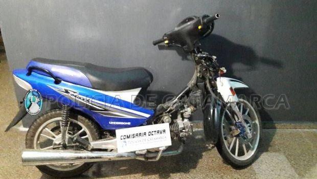 Recuperan una moto robada en la zona norte