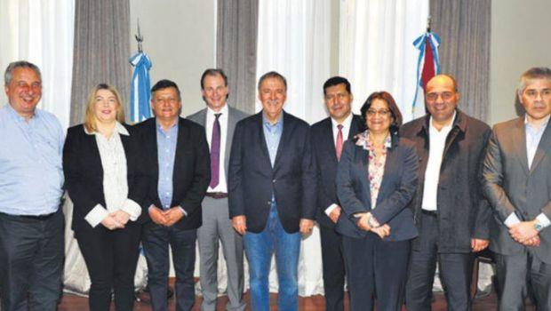 Antes de ver a Macri, gobernadores acuerdan posición común