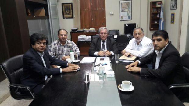 Senadores gestionan obras para el interior