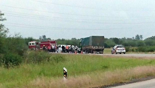 Tres muertos y tres heridos en un accidente en la ruta 157