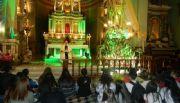 Los jóvenes homenajearon a la Virgen rogando por la paz