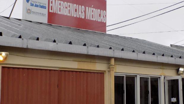Dos jóvenes y una niña hospitalizados tras chocar con un perro