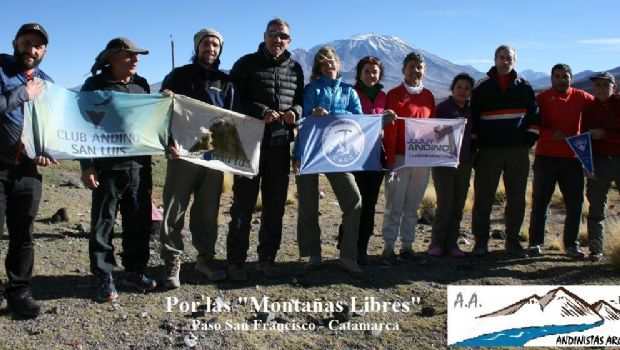 Andinistas argentinos por montañas catamarqueñas