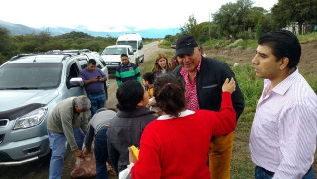 El senador Cordero entregó donaciones