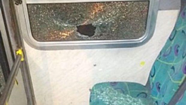 Dos mujeres heridas tras el ataque con piedras a un colectivo