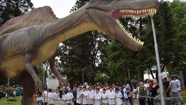 El caos, la insensatez y los dinosaurios
