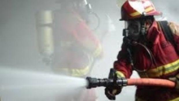 Voraz incendio de una vivienda en Valle Viejo