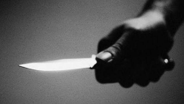 Amenazó con un cuchillo a una mujer para robarle la moto