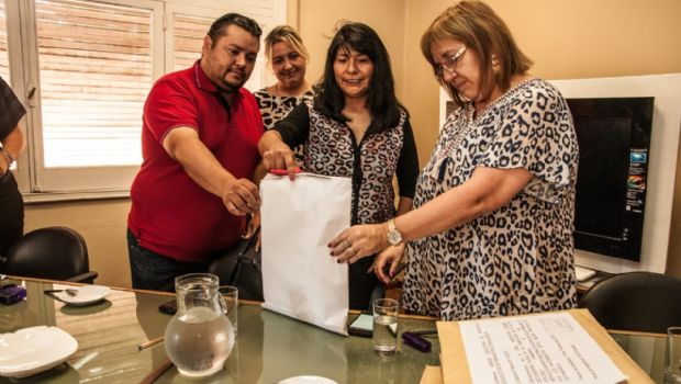 Se licitaron obras para escuelas en Los Nacimientos y Concepción