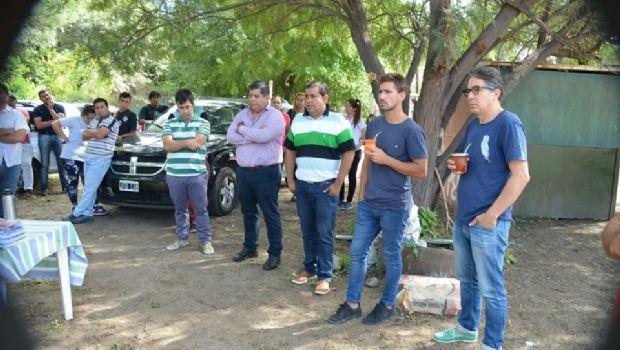 Juventud de la Nación visitó Social Saujil
