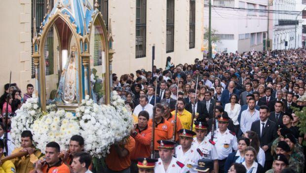 Lucía en la procesión de la Virgen del Valle