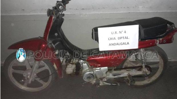 Recuperan una moto robada en Andalgalá