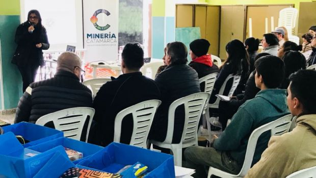 Disertación de minería en Andalgalá