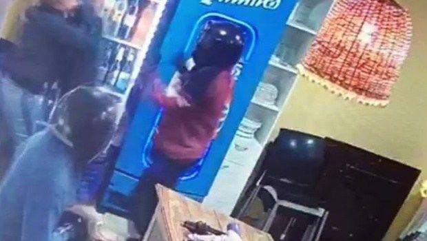 Arrestan a uno de los sospechosos del violento asalto en Las Grullas
