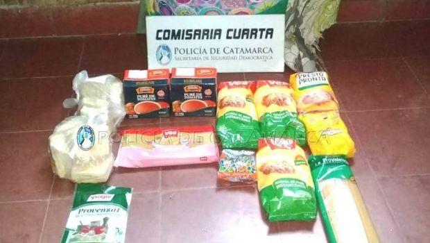 Aprehendidos por robar alimentos en un supermercado