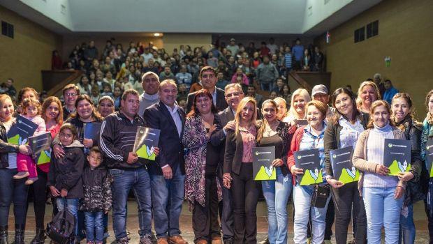Más de 200 familias beneficiadas por la regularización dominial