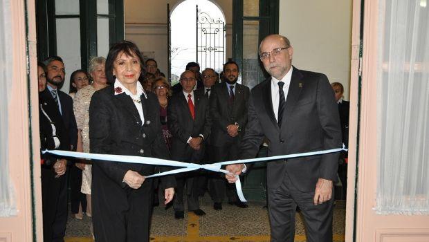 En el 46º aniversario de la UNCA, se inauguraron las refacciones del Aula Magna