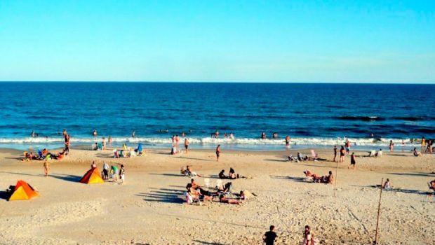 """Una persona murió por la """"bacteria de la playa"""" en Uruguay"""