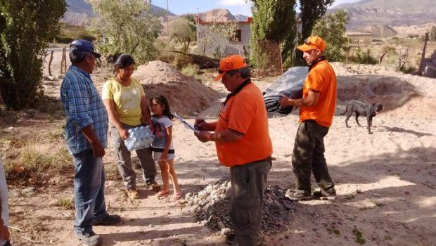 Asisten a familias afectadas por la tormenta en Barranca Larga