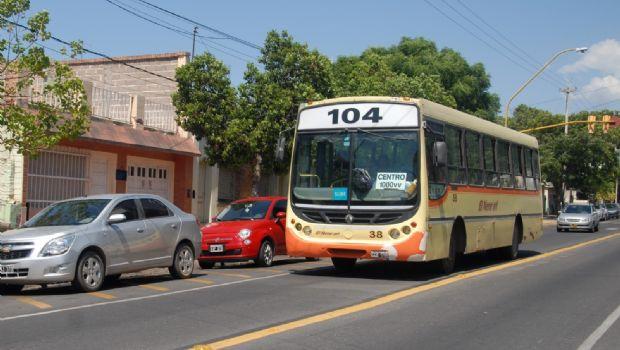 Desembolsan subsidio a transportistas