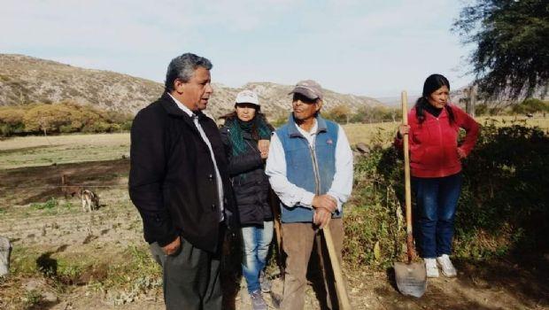 Gómez trabaja junto al INTA para la construcción de una cisterna