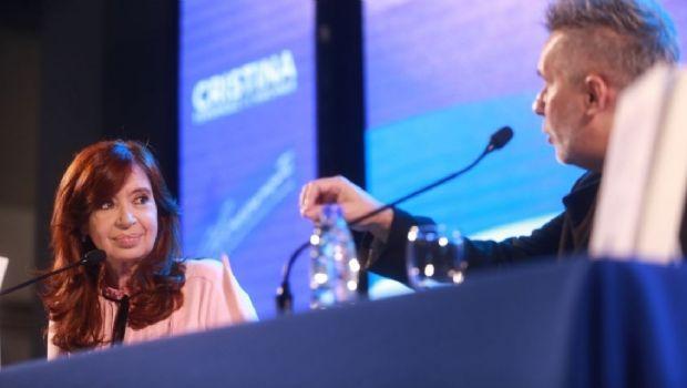"""Cristina: """"El país va a atravesar más dificultades de las que tenemos"""""""